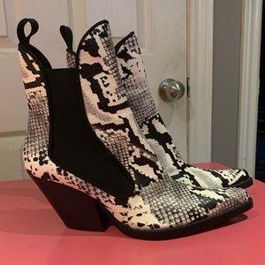 Zara Cowboy booties